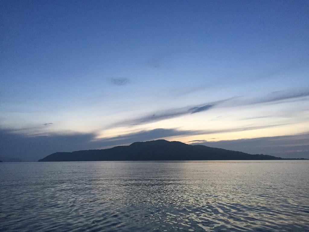 能古島の夜明け