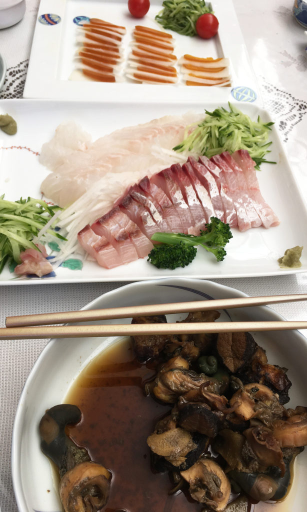 カラスミ、刺身、サザエの醤油煮。